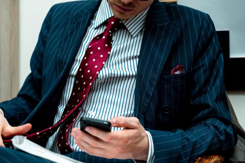 men's accessories - Accessori uomo 6 consigli per un uomo elegante con Antica Seteria Comasca